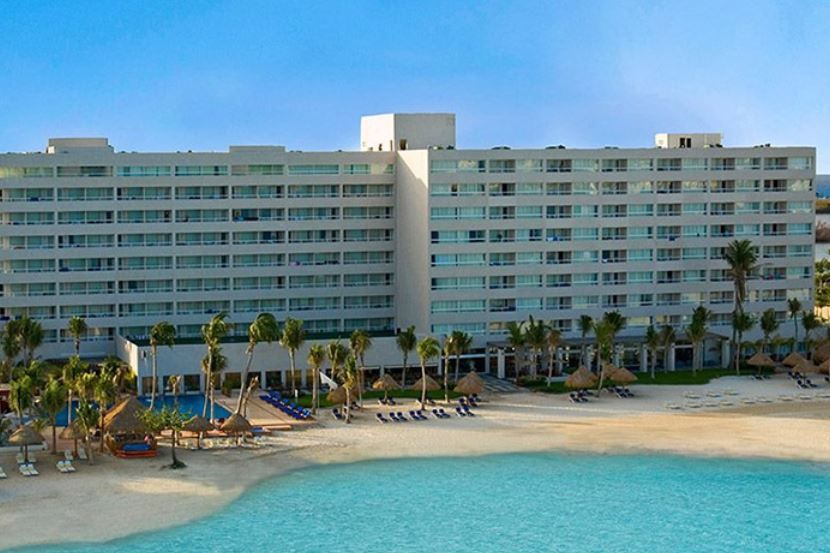 Dream Sands Cancun Exterior